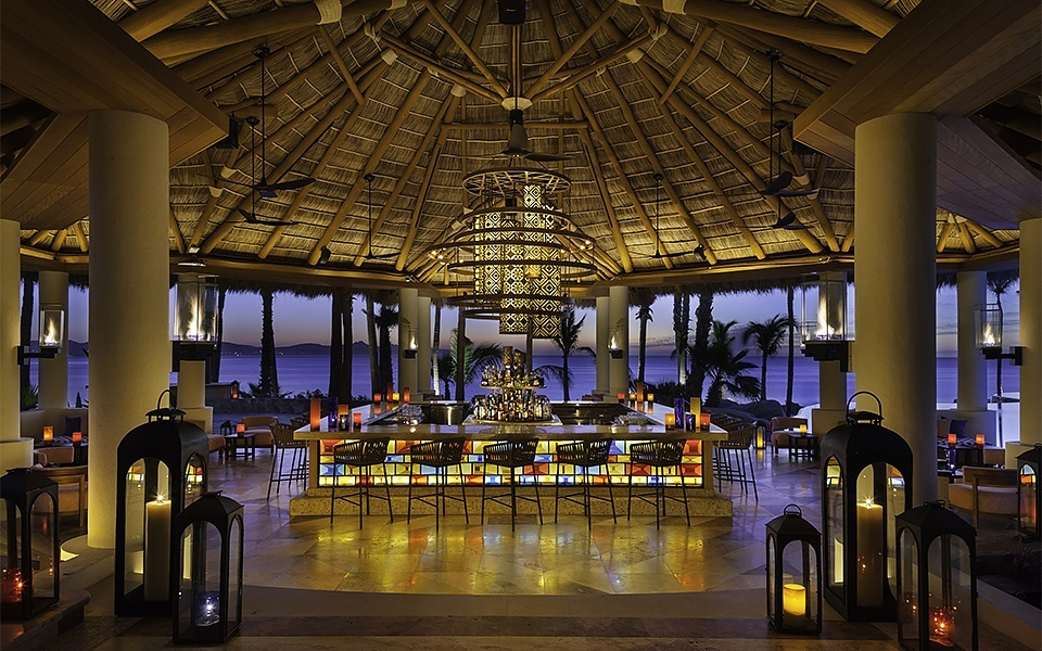 one-and-only-palmilla-agua-bar